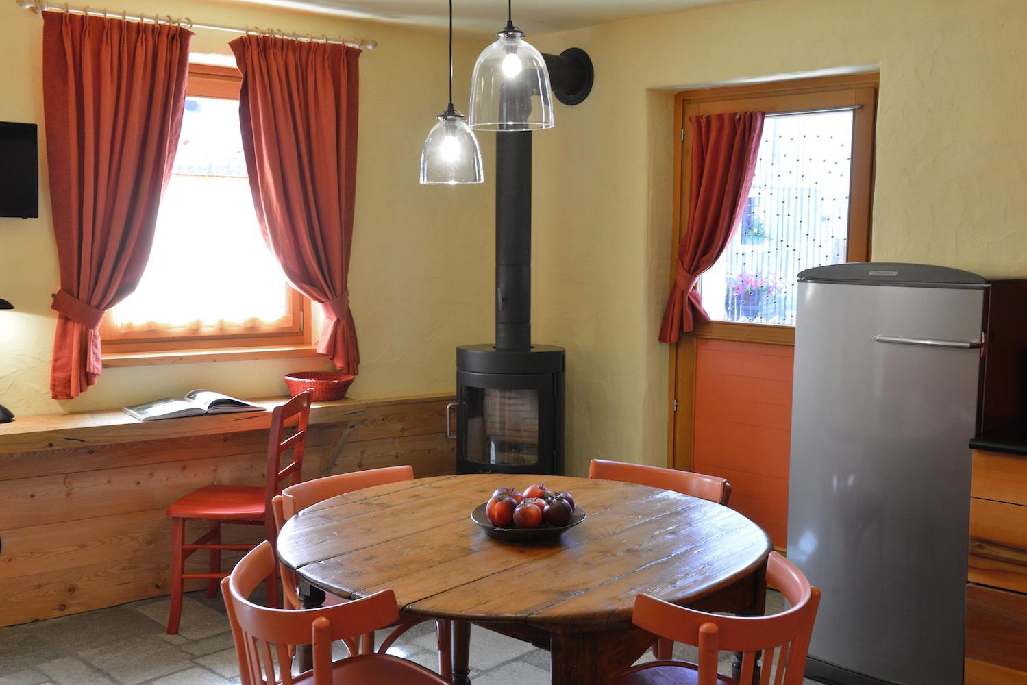 Casa Tzen sala pranzo Angoli di Paradiso Cogne